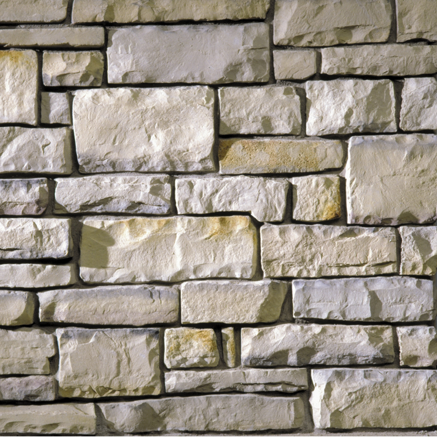 Winona Country Squire Cut Stone Stone Veneer from Environmental StoneWorks